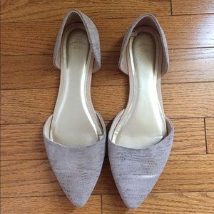 Ladies flat shoes, size 10